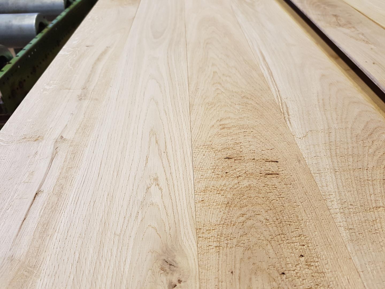 Rustiek Eiken Planken : Rustiek eiken dakplanken halfhoutverbinding mm
